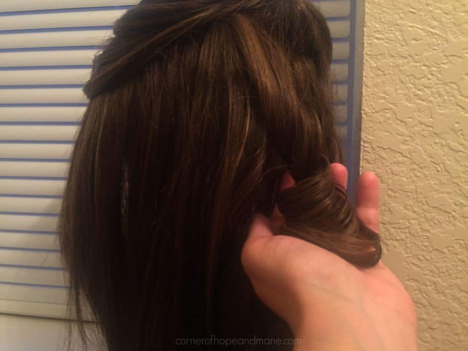 how to curl synthetic hair